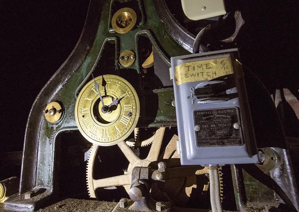 HiddenCorning_AP Bell_Clock