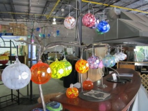 Glass-Ornaments--Hands-on-Glass4_9df54dcd-5056-a36f-235afeed9552993d